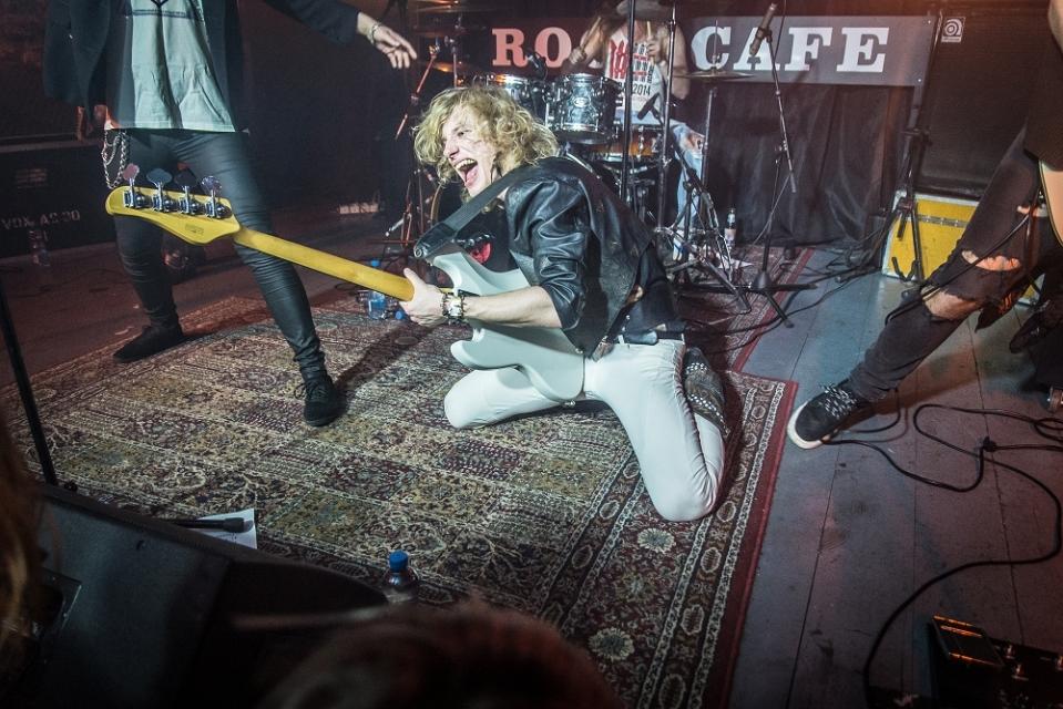 mūzikas foto mūziķu foto portretu foto pasākumu fotogrāfs  rockcafe rokkafejnīca