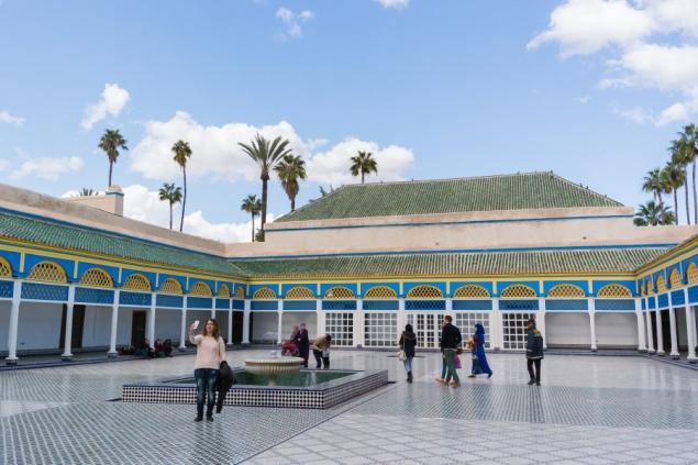 The Bahia Palace. Marokāņu arhitektūrai raksturīgās dekoratīvās flīzes visur.