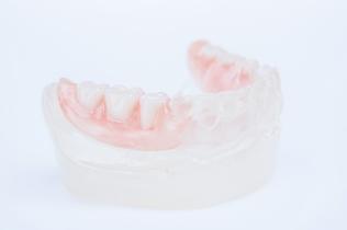zobu_protezes_reklamas_foto_tooth_dentures09